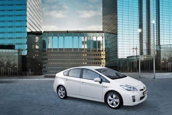 fabricante equipamiento coche primer nivel: